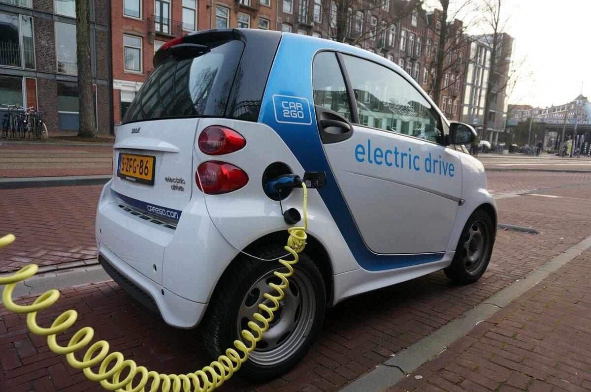 Elektrofahrzeuge: So beantragen Sie bis zu 4.000 Euro Kaufprämie!