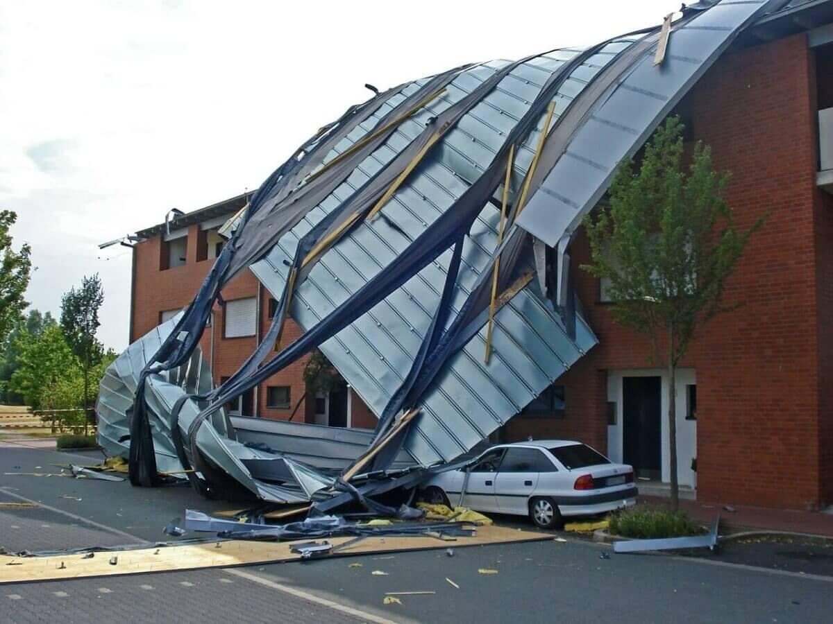 """Sturmschäden: Schäden am Haus durch Orkan """"Friederike"""" steuerlich absetzbar"""