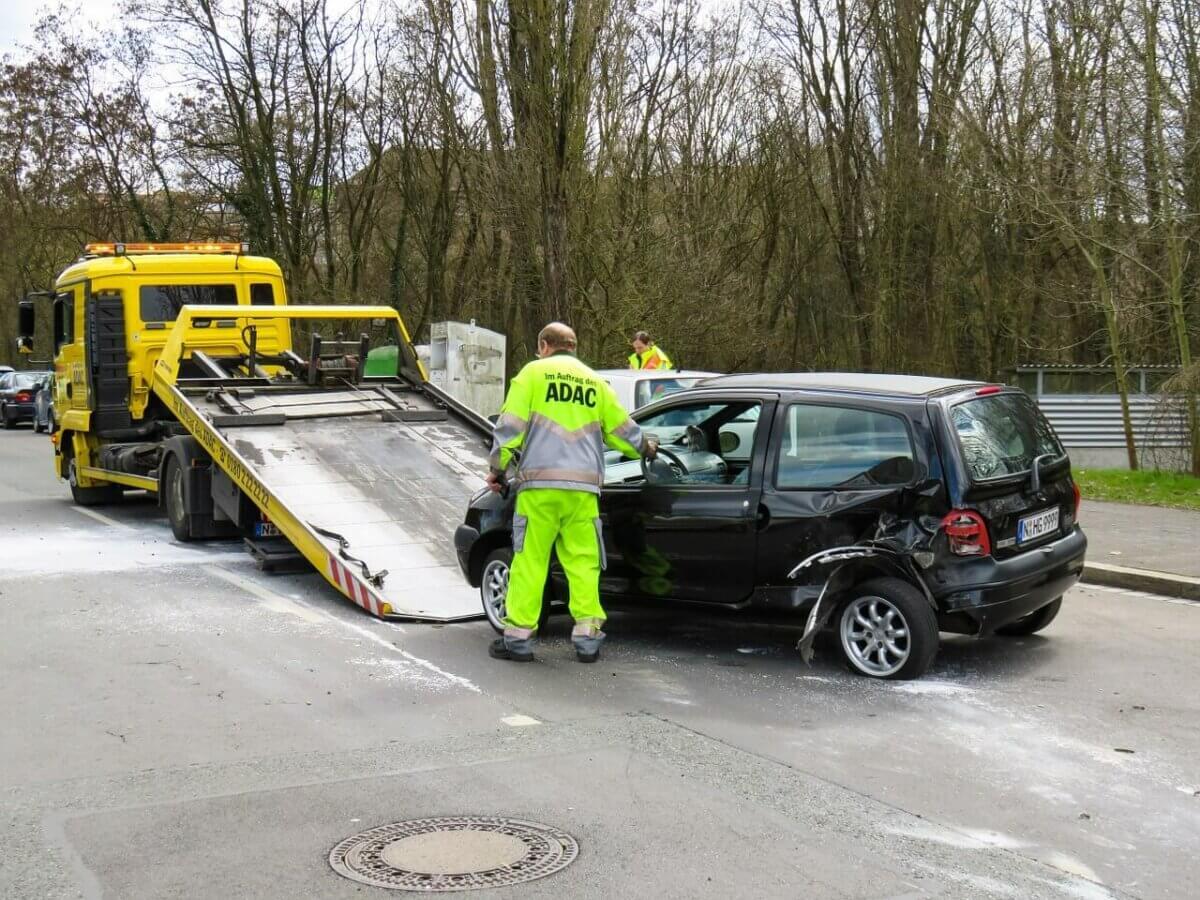 Wegeunfälle: Kein Unfallversicherungsschutz auf Umwegen und Abwegen