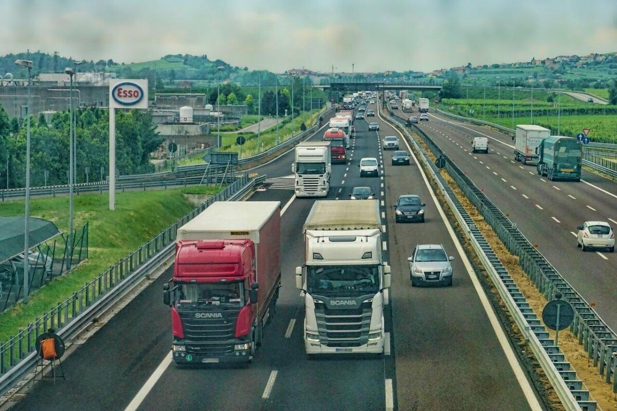 Auswärtstätigkeit bis 2013: Lkw-Fahrer hat keine regelmäßige Arbeitsstelle