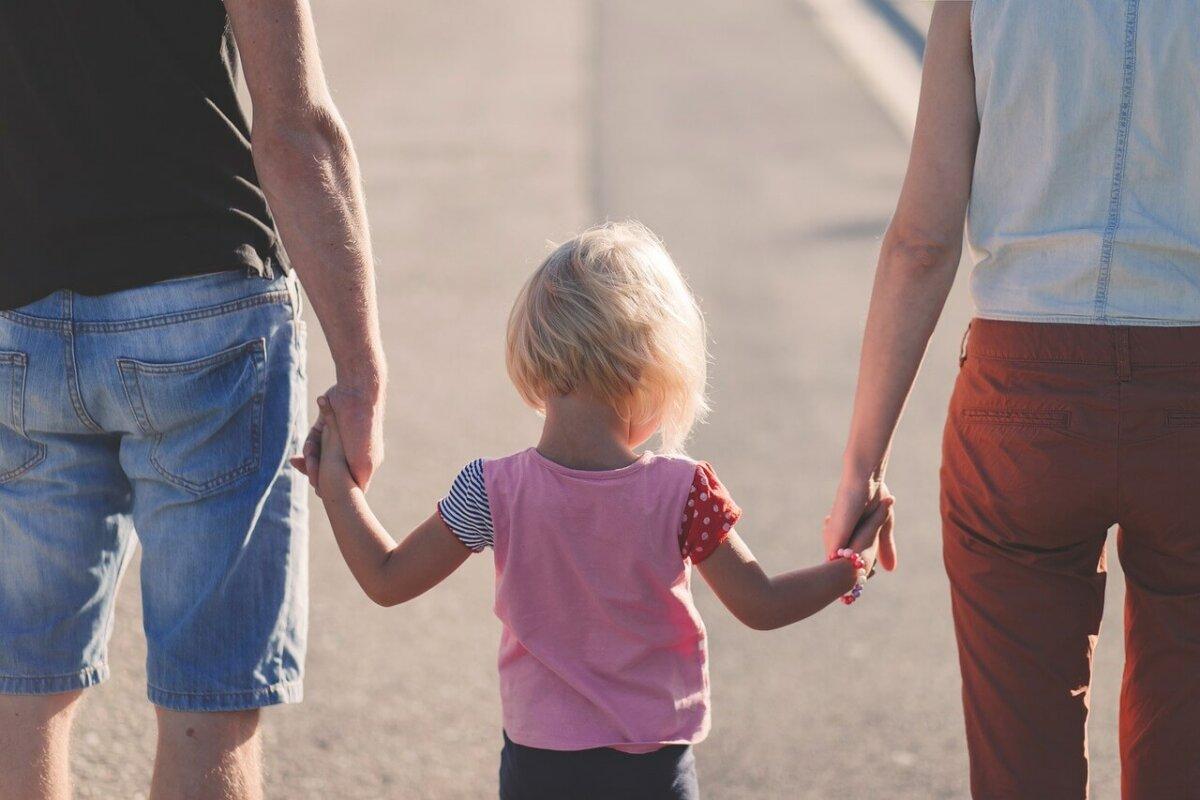 Altersrente: Zuordnung von Kindererziehungszeiten bei beiden Elternteilen?