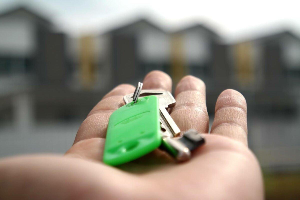 Mietvertrag mit Angehörigen: Keine hälftige Vermietung der gemeinsamen Wohnung