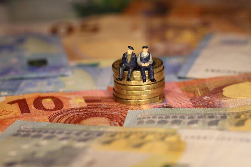 Riester-Vertrag: Jetzt Mindesteigenbeitrag überprüfen und Zulage beantragen